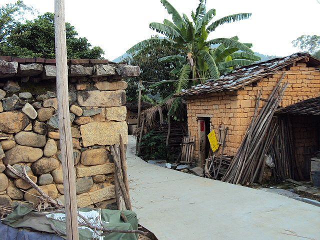 农村土墙房子照片