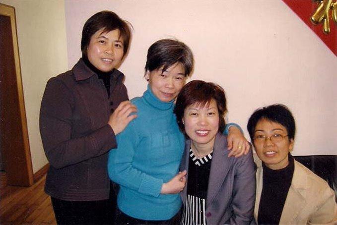 (1)2010年春节,国光最好76届,初中78届同学初中留影陈爱玲慰问.郑州市的代表高中图片