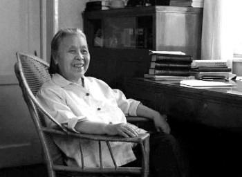 """""""丁玲30年代以《莎菲女士的日记》享誉文坛,投奔延安后,她与赵树理"""
